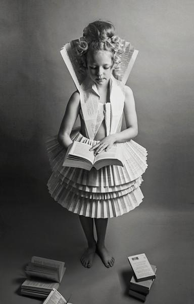 """2 место: """"Бумажное платье"""", Алеся Белоусова, Ирландия"""