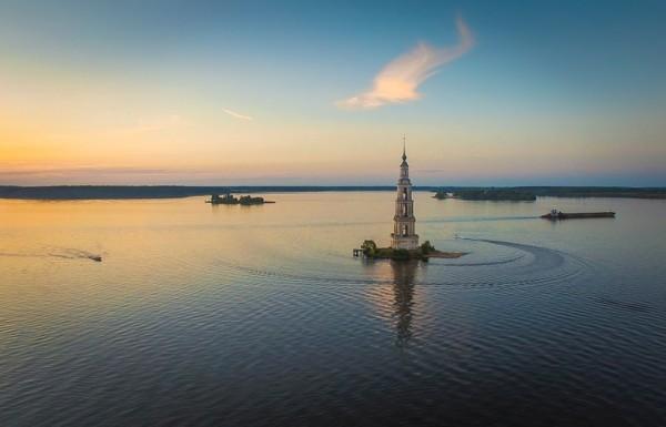 На затопленной Калязинской колокольне восстановят звонницу