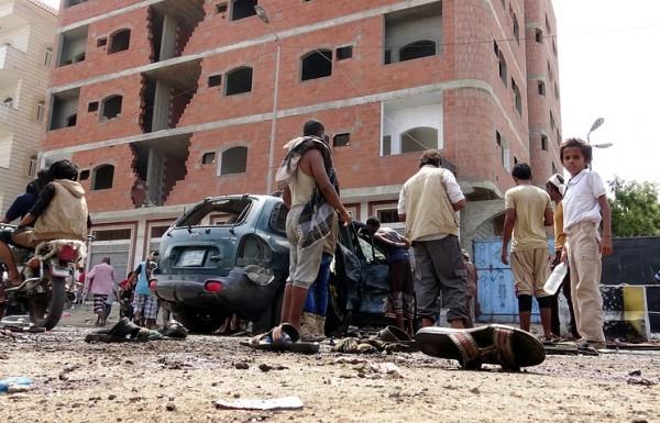 В результате теракта в Йемене погибло около полусотни человек