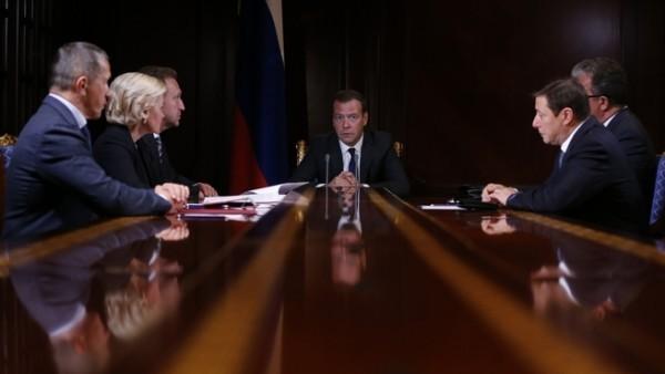 Дмитрий Медведев предложил изменить закон о квартирах для сирот