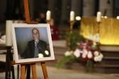 Мусульмане пришли на похороны убитого священника во Франции