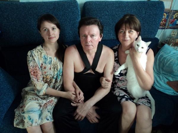 Михаил с семьей