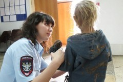 В Самарской области мать держала на цепи ребенка с трудностями развития
