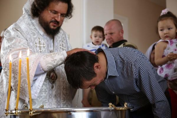 Крещение полным погружением в арктических условиях – роскошь.