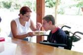 В Петербурге принимающие семьи помогут родителям взрослых детей-инвалидов