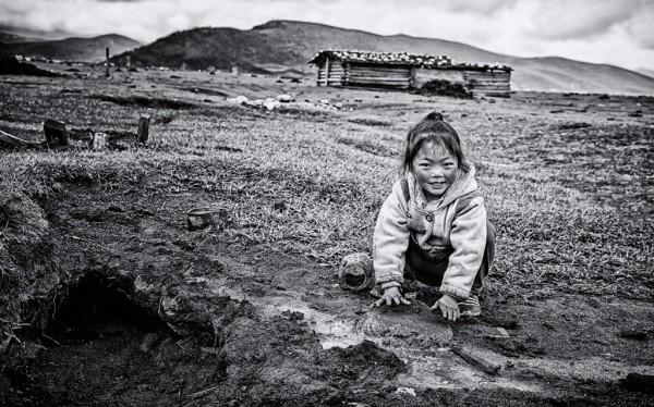 """""""Игра в грязи"""", от Чунногон Лян, Китай (номинант)"""