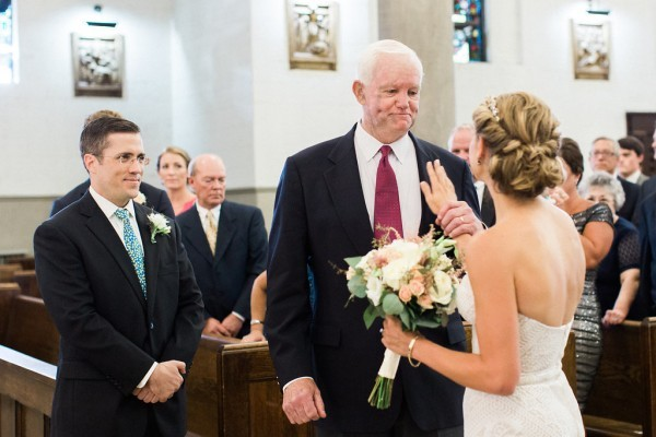 ВСША невесту отвел калтарю мужчина ссердцем ееубитого отца