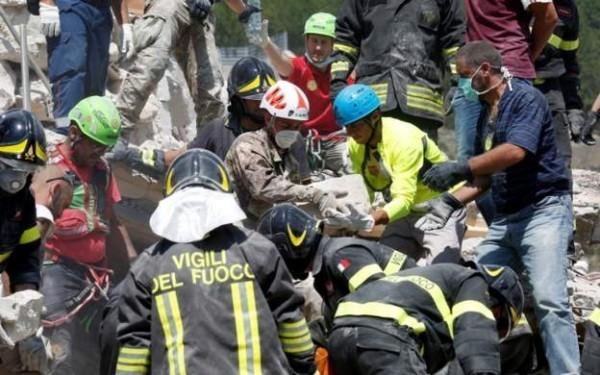 Число жертв землетрясения в Италии выросло до 247