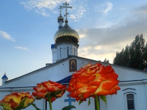 Покровский храм и народ-строитель