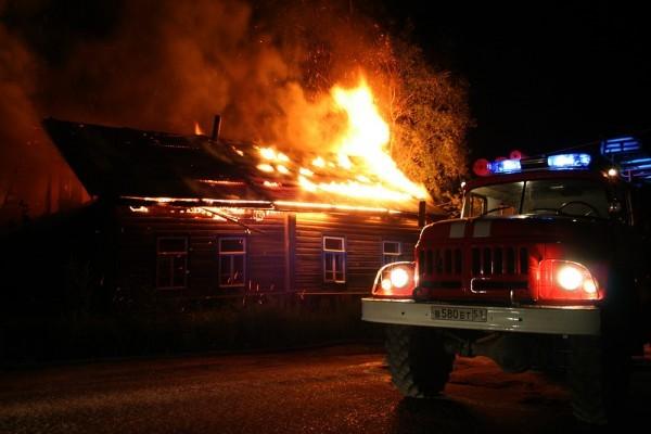 В Ульяновской области два парня спасли пенсионеров на пожаре