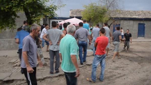 Убийство ребенка под Одессой обернулось погромами цыганских домов