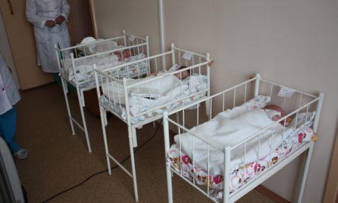«Это самое страшное в моей жизни»: в Красноярске женщина подкинула в Дом ребенка новорожденную девочку