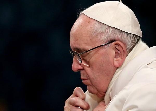 Папа Римский помолился за погибших при землетрясении в Италии