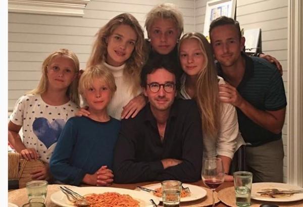 Водянова предложила приготовить пасту ради жертв землетрясения в Италии