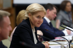 Ольга Голодец поручила расширить права ВИЧ-инфицированных на выезд за пределы тюрем