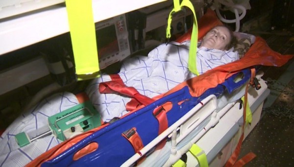 ВПетербург изСирии доставили раненую женщину, спасшую детей отвзрыва снаряда