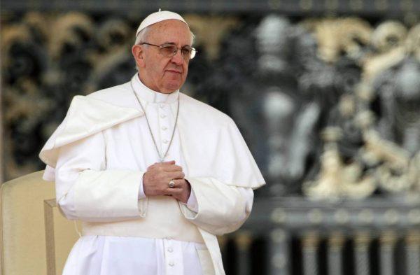 Папа Франциск сравнил слухи в СМИ с терроризмом