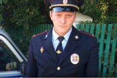 Омский полицейский вынес из огня пожилого инвалида
