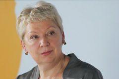 Глава Минобрнауки будет добиваться увольнения директора гимназии, где отказались учить онкобольного ученика