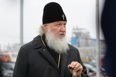 Патриарх призвал настоятелей монастырей отказаться от дорогих атрибутов власти