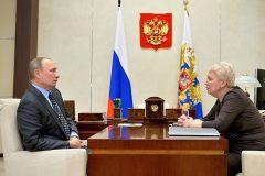 Ольга Васильева рассказала Путину о планах по отмене третьей смены в школе