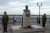 В Сургуте облили краской установленный накануне памятник Сталину