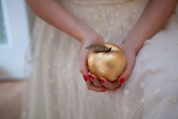 gold-apple-pomo-de-ouro-pequi-dourado