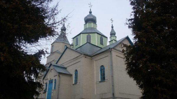 Сторонники Киевского Патриархата захватили храм Украинской Православной Церкви
