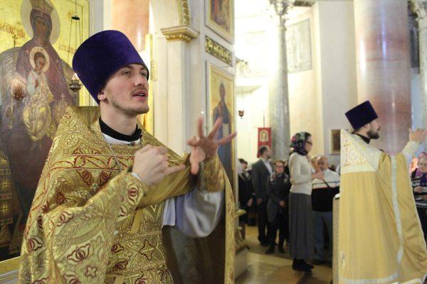 Патриарх Кирилл подписал запрет нааборты