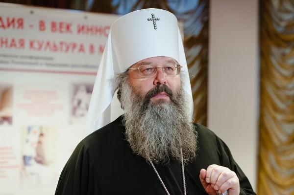 Митрополит Екатеринбургский Кирилл готов помочь блогеру, ловившему в храме покемонов