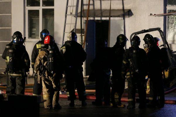 В Москве при тушении пожара погибли восемь сотрудников МЧС