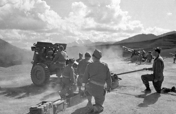 Гражданская война в Греции. 1948 год. Солдаты греческой армии.