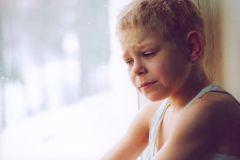 Чиновники назвали главные проблемы приемных детей