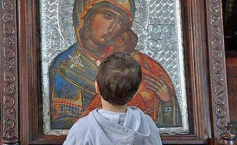 Богородица - первая среди встречающих