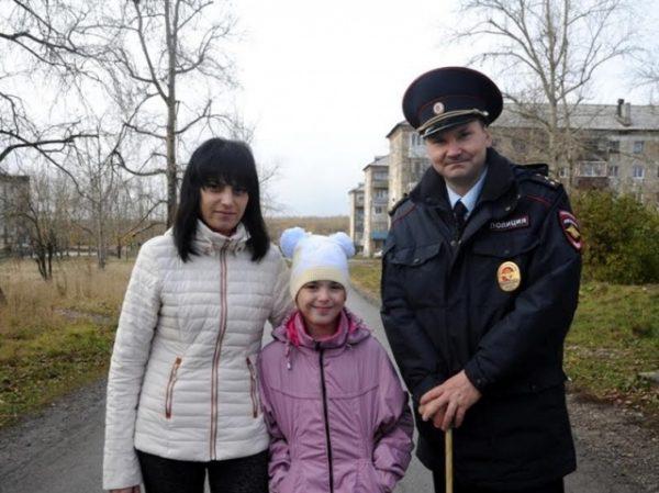 В Прикамье наградили участкового, спасшего ребенка во время пожара