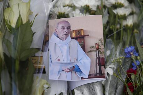 Папа Римский благословил причисление к лику блаженных убитого Жака Амеля