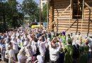 Московские художники построили деревянный храм в честь Андрея Рублева