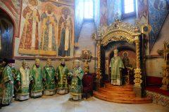 Патриарх Кирилл совершил Божественную литургию в Троице-Сергиевой лавре (+фото)