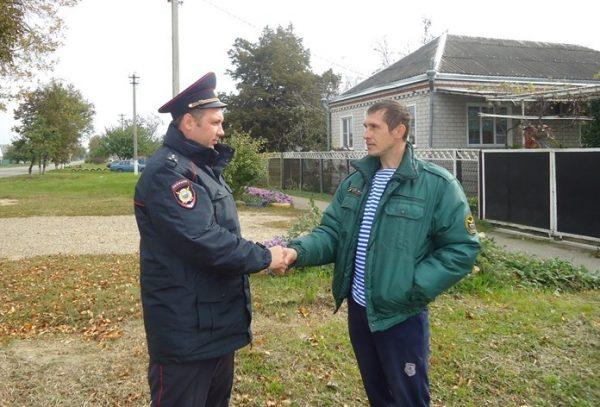 Полицейский нашел работу мужчине, которого спас от самоубийства