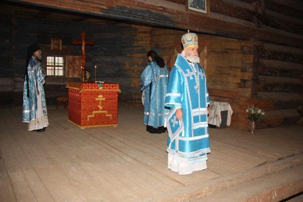 В тверской церкви XVII века совершили первую за 100 лет Литургию