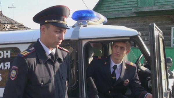 ВНовосибирской области полицейские спасли изогня парализованного мужчину