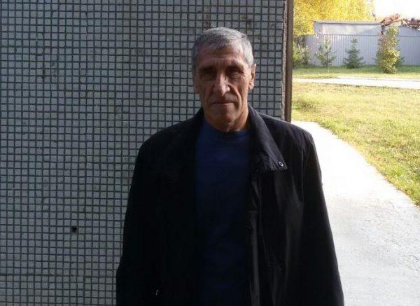 Новосибирский пенсионер вытащил соседа из охваченной огнем квартиры