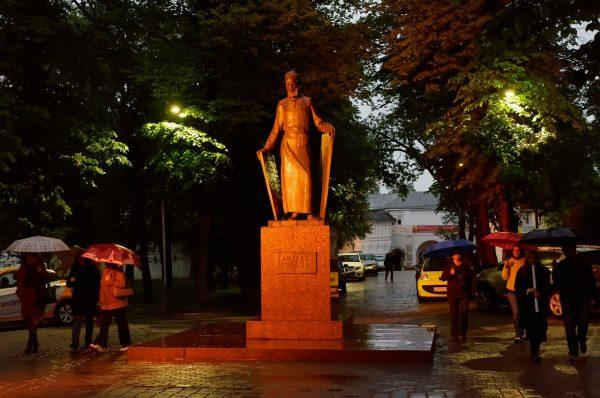 Памятник Андрею Рублеву в Москве