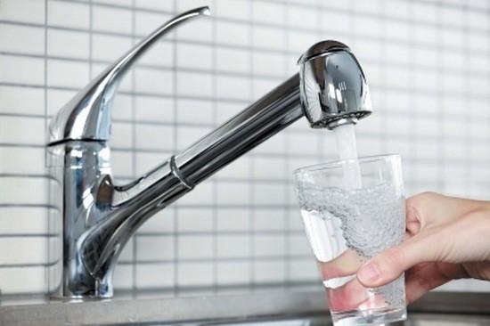 Сотни жителей Махачкалы отравились питьевой водой