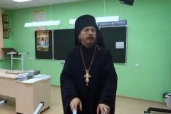 Екатеринбургский священник рассказал, как построил целую школу и детсад