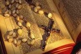 Чем отличаются католические кресты от православных?