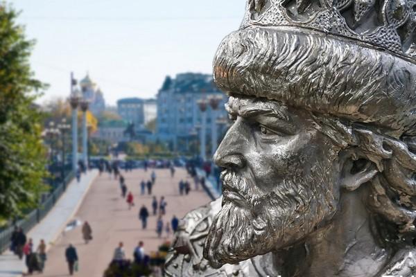 «С великою яростию, яко лев рыкая» — Иван Грозный в житиях святых