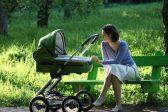 Правительство сократит расходы на охрану здоровья матери и ребенка