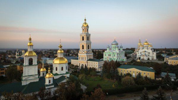 На съезде «Руси Православной» рассказали о детских сказках и русской кухне