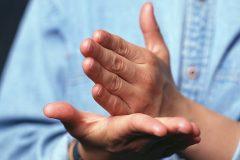 В Вятской епархии открыли центр онлайн-помощи для глухих людей